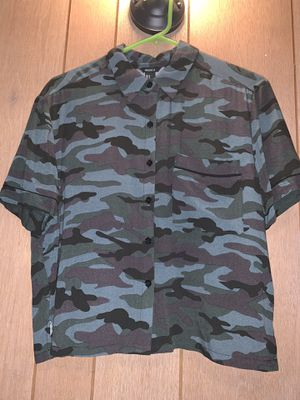 Forever 21 Camo Print Shirt for Sale in Long Beach, CA