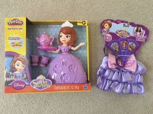 Sofia the First Tea Party Play Doh + Royal Purse and Fan set for Sale in Ashburn, VA