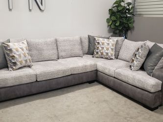 Brand New Sectional for Sale in Apollo Beach,  FL