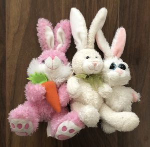 FREE I have a bunch of random stuffed animals if anyone wants them!! for Sale in Modesto, CA