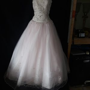 Mary's Quinceanera Dress (As Is) for Sale in Garland, TX