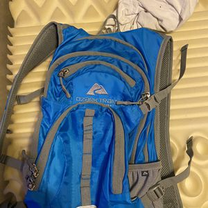 Ozark Trail Day Pack Of 70 Asking 25 Obo for Sale in San Antonio, TX