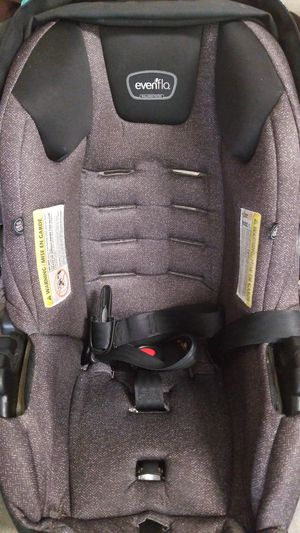 Evenflo baby car seat with base and basinet for Sale in Santa Barbara, CA