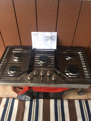 """GE Profile 36"""" gas cooktop for Sale in Milwaukie, OR"""