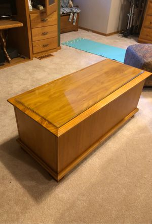 Pine chest/ coffee table with storage, beveled glass protector for Sale in Redmond, WA