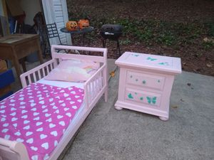 Pink toddlers bedroom set for Sale in Cumming, GA