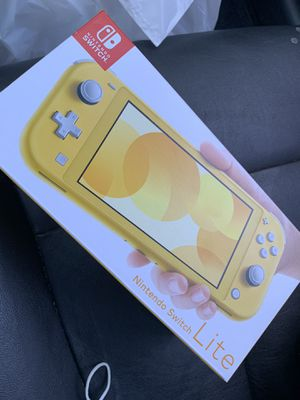 Yellow Nintendo Switch Lite for Sale in Oceanside, CA
