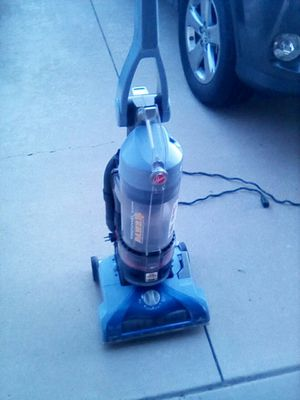 Hoover P.A.W.S. Bagless Vacuum for Sale in Lake Elsinore, CA
