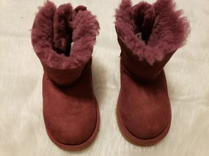 Girls uggs boots size 9 for Sale in North Andover, MA