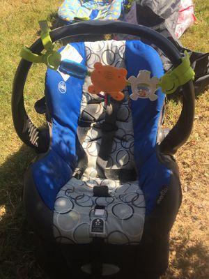 Evenflo car seat for Sale in Saginaw, AL