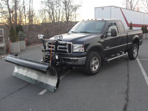 2006 Ford F-350 Lariat Diesel 6.0L 4x4 Snow Plower for Sale in Malden, MA