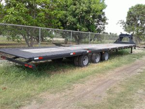 Torino trailer 2014 three axle trailer I nodded in the front and high Nautica in the back for Sale in Miami, FL