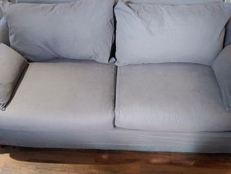 World Market Couch! Perfect For A Game Room/Mancav3! for Sale in Nashville,  TN