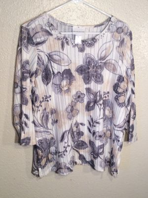Brand New Floral Beaded Women's Alfred Dunner Long Sleeve Top Tunic in package - size M-L for Sale in Austin, TX