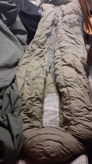 Army mountain, sleeping bag , (down feather ) for Sale in Glendora, CA