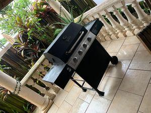 BbQ grill for Sale in Miami Gardens, FL