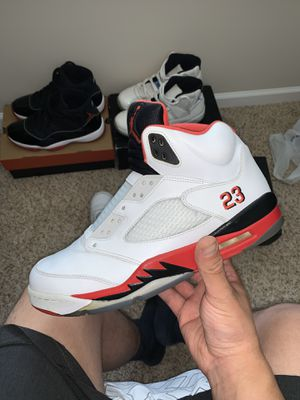 Fire Red 5s for Sale in Charlotte, NC