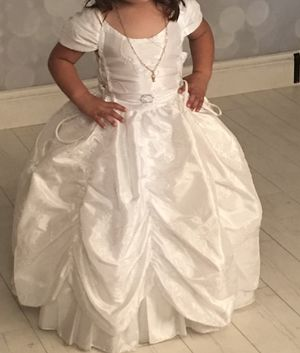 Flower girl dress size 3T 😇😇 for Sale in San Diego, CA
