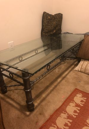 Coffee and end table for Sale in Dumfries, VA