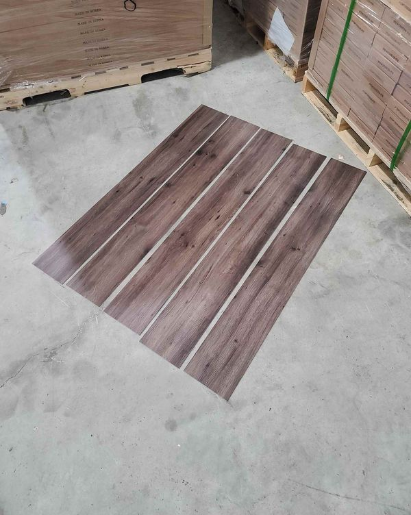Luxury vinyl flooring!!! Only .65 cents a sq ft!! Liquidation close out! BB8AU