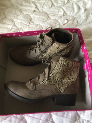 Girls boots for Sale in Sedro-Woolley, WA