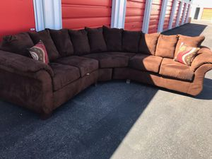 Comfortable sectional couch living room for Sale in Phoenix, AZ