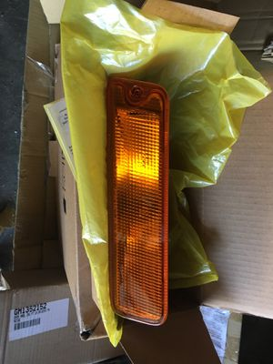 97 - 99 Montero Sport left side signal light assembly for Sale in Irwindale, CA