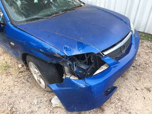Motor y tras misión buena parte más partes Mazda y 3 2003 no mofle 400 dólar for Sale in Houston, TX