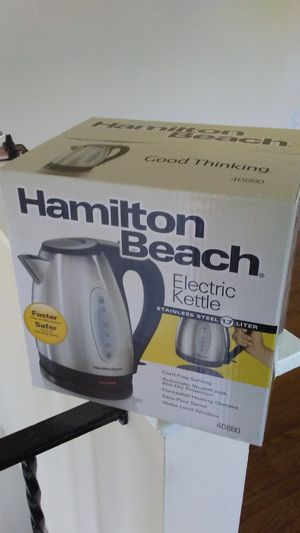 NEW Hamilton Beach 1.7-Liter Stainless Steel Electric Kettle, Silver for Sale in Rockville, MD