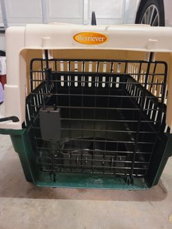 Dog crate carrier (For Smaller size Pet) for Sale in Gainesville,  FL