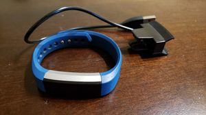 Fitbit Alta with charger for Sale in Loma Linda, CA