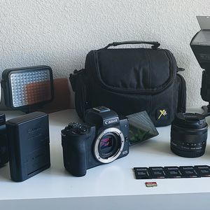 Canon EOS M50 Mirrorless Camera Bundle for Sale in Sloan, NV