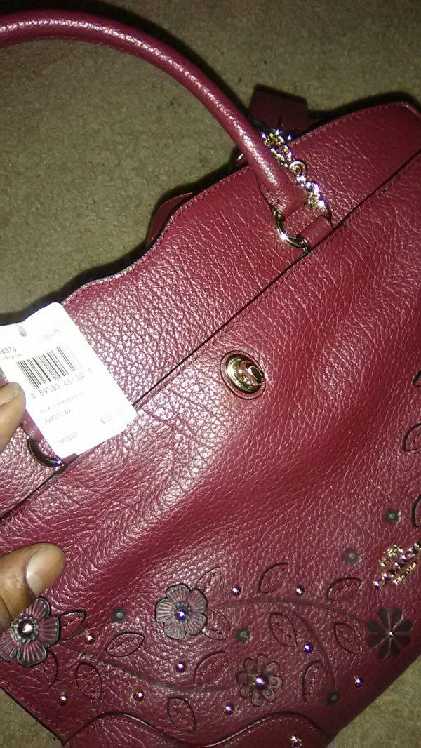 Brand new coach bag offer up must go asap