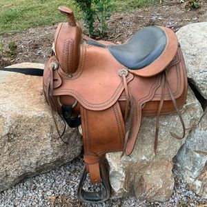 "16"" Leather Western Saddle- Pick-up is in Branford for Sale in Branford, CT"