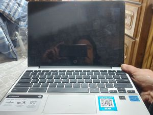 touchscreen hp chromebook 11v011ax for Sale in Seattle, WA