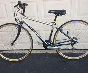 """Giant Hybrid Bike-15"""" Frame-700c Wheels-LIKE NEW!! for Sale in Springfield,  VA"""