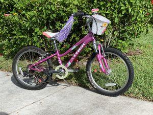 "Girl's 20"" purple Trek Bicycle for Sale in Boca Raton, FL"