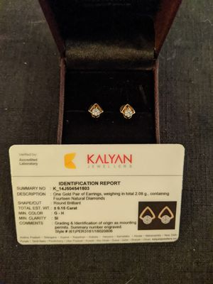 Natural Diamond Earrings Stunning. for Sale in Waukegan, IL