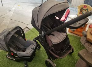 Graco modes click connect stroller and carseat for Sale in Bell, CA
