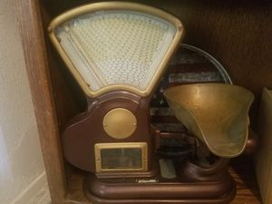 Vintage Toledo Scale Company Scale / Weighs up to 5 Lbs. for Sale in Murrieta, CA