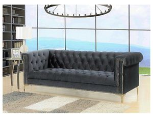 Tufted Gray Sofa for Sale in Columbus, OH