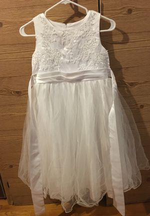 Beautiful white dress for girl for Sale in Evanston, IL