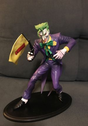 Joker Statue with bang gun for Sale in Cerritos, CA