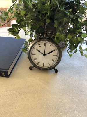 Like new Pottery Barn clock for Sale in Bothell, WA