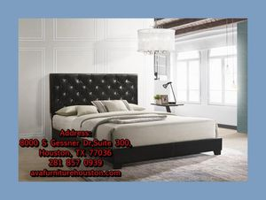 black queen bed frame for Sale in Houston, TX