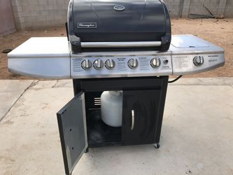 bbq Grill Very Strong , 6 Burners With Tank for Sale in Tucson,  AZ
