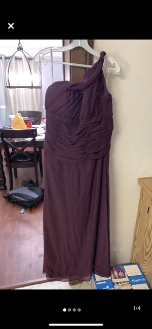 Plum purple bridesmaid dress size 12 for Sale in Goldsboro, NC