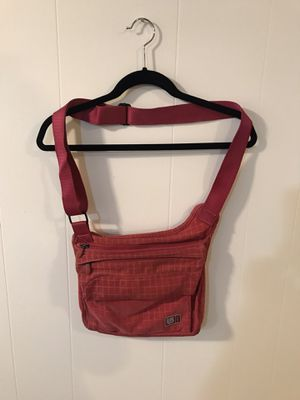 Pink Burton Adjustable Crossbody Messenger Bag for Sale in Park Ridge, IL