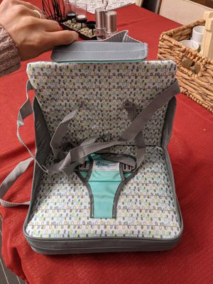 First Years portable booster seat for Sale in Silver Spring, MD