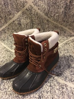 Tommy Hilfiger women's snow boots for Sale in Tacoma, WA